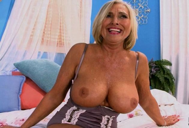 Victoria Peale - What Goes Up Must Fuck Victoria