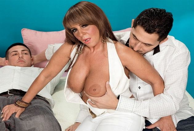 Persia Monir - Persia Takes The Anal Plunge: The elle denay - lunchtime at the no-tell motel  Interview